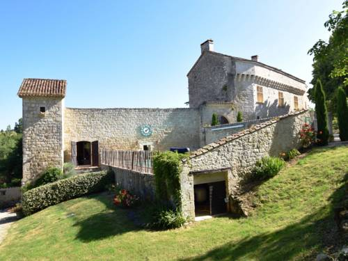 Holiday home Chateau D Agen I : Guest accommodation near Bajamont