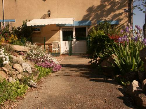 Bouble : Guest accommodation near Colombier