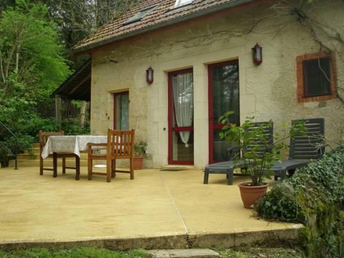 Laiterie Du Manoir De Thard : Guest accommodation near Glux-en-Glenne