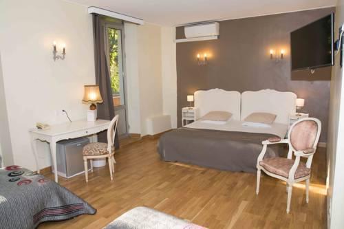 Empire Hôtel : Hotel near Nîmes