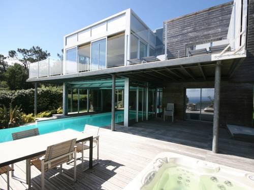 Five-Bedroom Villa Bay View : Guest accommodation near Argol