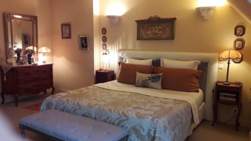 Villa Les Hortensias : Bed and Breakfast near Beuzec-Cap-Sizun