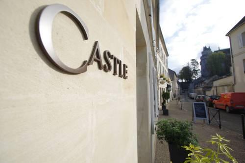 castle : Hotel near Éméville