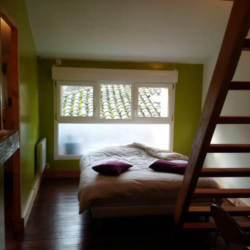 La Mezzanine : Apartment near Saint-Symphorien-de-Mahun