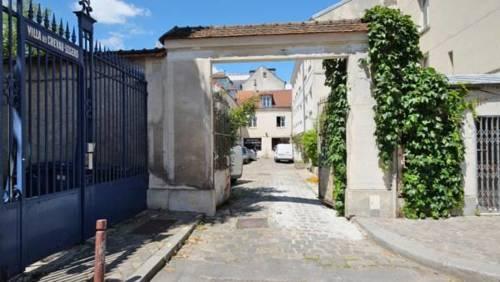 La Cour des Chevau-Legers : Apartment near Versailles