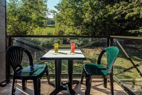 Zenitude Hôtel-Résidences L'Orée du Parc : Guest accommodation near Divonne-les-Bains