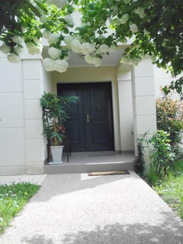 La Clémencerie Chambre d'hôtes : Guest accommodation near Rennemoulin