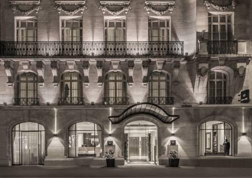 K+K Hôtel Cayré Saint Germain des Prés : Hotel near Paris 7e Arrondissement