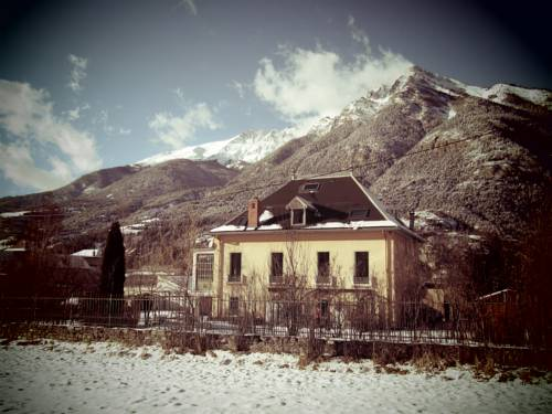 Chambre d'Hotes La Mexicaine : Guest accommodation near Jausiers