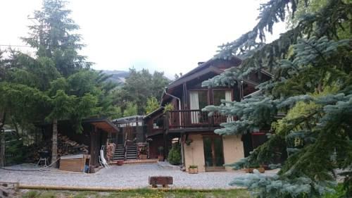 Chalet Espace Lumière : Guest accommodation near Saint-Vincent-les-Forts