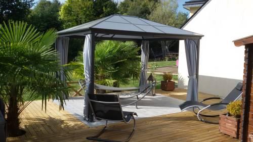 L'Ecrin de Bois et son spa : Guest accommodation near Caurel