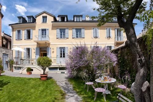 Chambres d'hôtes Le Pigeonnier : Bed and Breakfast near Saint-Sauveur