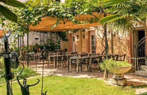 Hôtel Restaurant Les Touristes : Hotel near Ucel