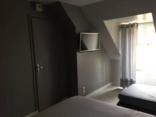 Auberge Du Pont : Guest accommodation near Cérilly