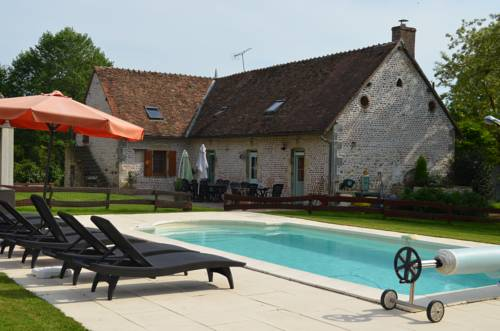 La Ferme Du Chateau : Bed and Breakfast near Tresnay