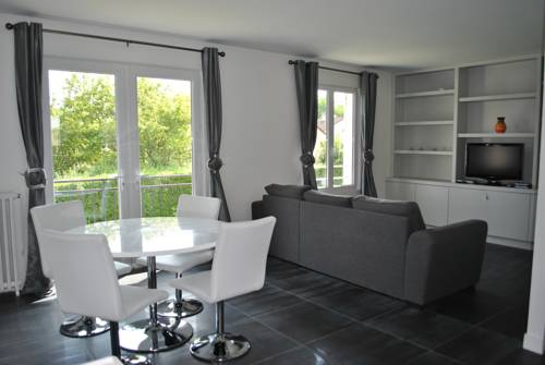 2 bed House near Disneyland Paris : Apartment near Condé-Sainte-Libiaire