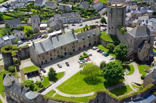 Le Château de Bricquebec : Hotel near Rauville-la-Bigot