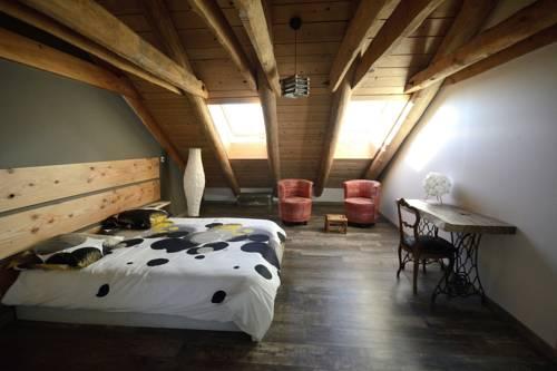 La Grange de l'Ardeyrol : Bed and Breakfast near Accons