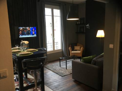 Résidence Champs Bouillant : Apartment near Juvigny