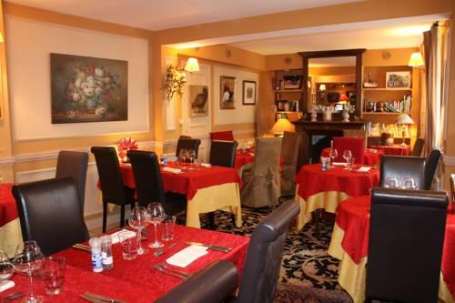 Hostellerie Du Prieure : Hotel near Chauvry