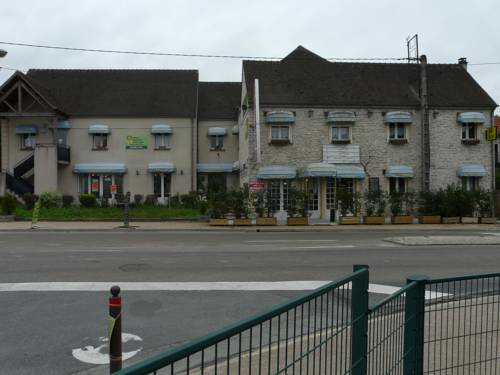 Hotel La Belle Etape : Hotel near Courdimanche-sur-Essonne