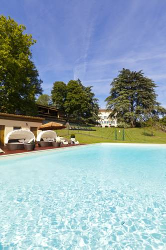 Le Domaine de la Colombière : Hotel near Bellegarde-Poussieu