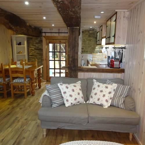 La porcherie : Guest accommodation near Saint-Malo-des-Trois-Fontaines