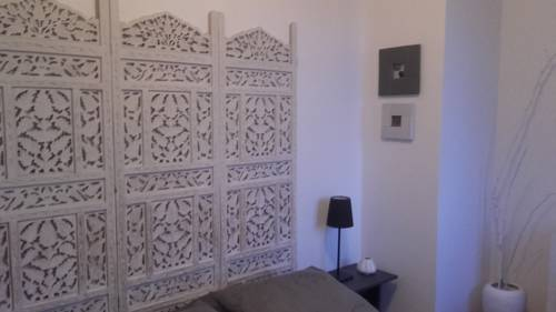 Chambres d'hôtes Christa : Bed and Breakfast near Saint-Pair-sur-Mer