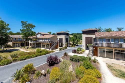Vacancéole - Le Domaine du Golf d'Albret & Resort*** : Guest accommodation near Ambrus
