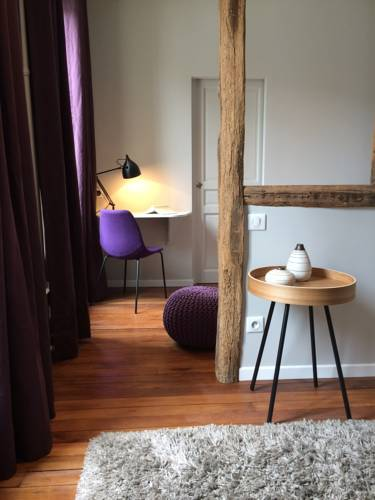 Wisteria : Bed and Breakfast near Laval-en-Brie