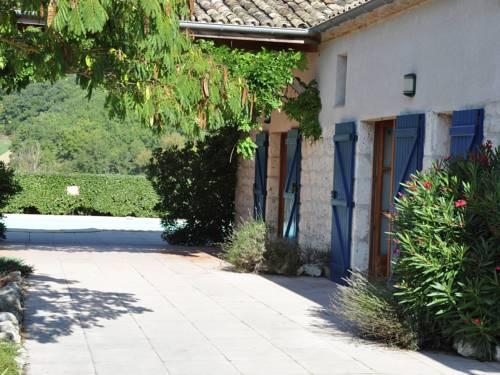 Ferme et gîte : Guest accommodation near Auradou