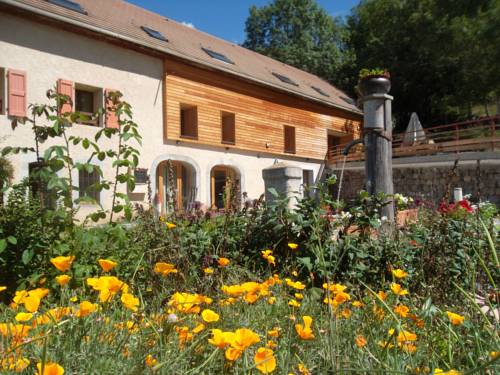 Comme un écrin... Chambres et table d'hôtes : Bed and Breakfast near Poligny