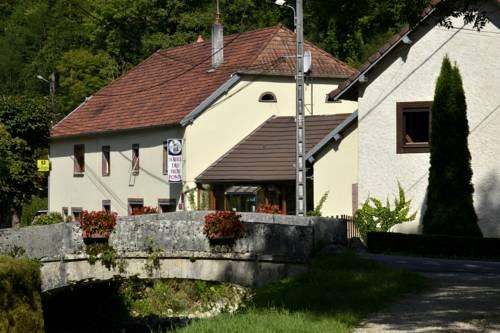 L'auberge Des 3 Ponts : Hotel near Lomont-sur-Crête
