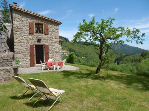 Villa Le Pigeonnier : Guest accommodation near Saint-Pierreville