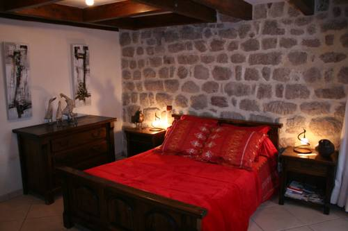 Les Granges de La Coste : Bed and Breakfast near Accons