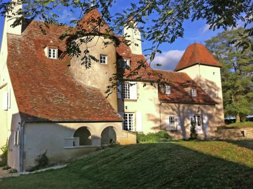 Un Château En Bordure De Rivière : Guest accommodation near Aubigny