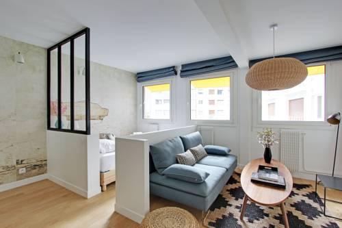 Pick a Flat - Eiffel Tower / Champs de Mars apartments : Apartment near Paris 15e Arrondissement