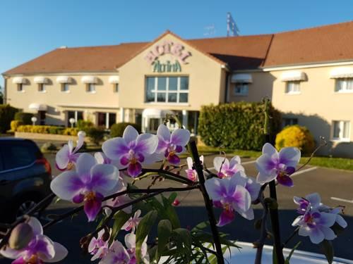 Hotel Altina : Hotel near Saint-Illiers-le-Bois