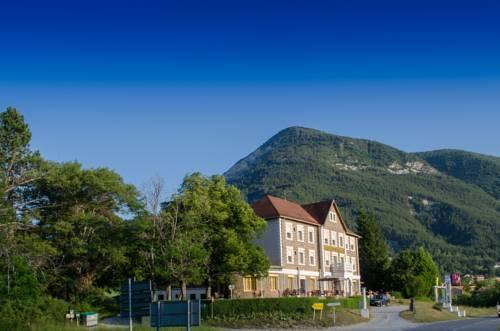 Hôtel Lac Et Forêt : Hotel near Moriez