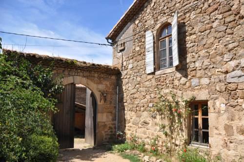 Auberge Longue Vie : Bed and Breakfast near Sécheras