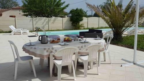 Villa Esprit Vacances : Guest accommodation near Sainte-Livrade-sur-Lot