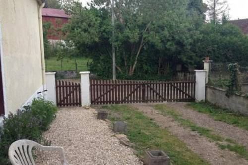 Burgundy Farmhouse Beside Morvan : Guest accommodation near Chasnay
