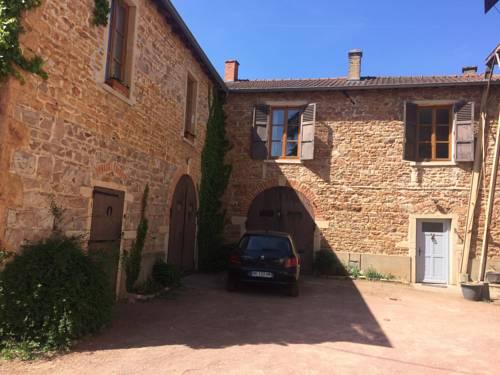 Gites du chateau du Breuil : Guest accommodation near Fareins