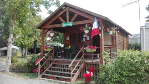 Camping Loisirs Des Groux : Guest accommodation near Rosny-sur-Seine
