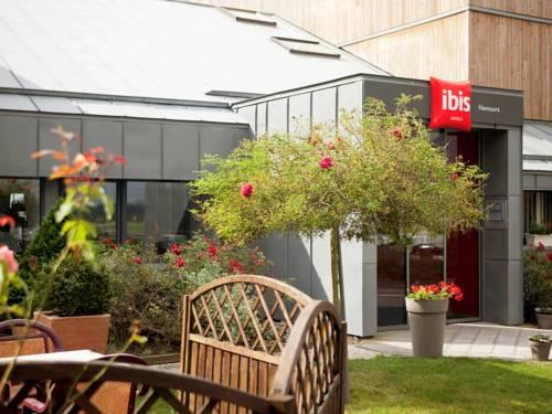ibis Nemours : Hotel near Paley