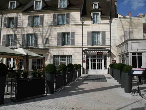 Mercure Relays Du Château : Hotel near Émancé