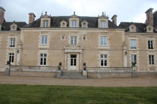 Château de la Guillonnière : Bed and Breakfast near Nieuil-l'Espoir
