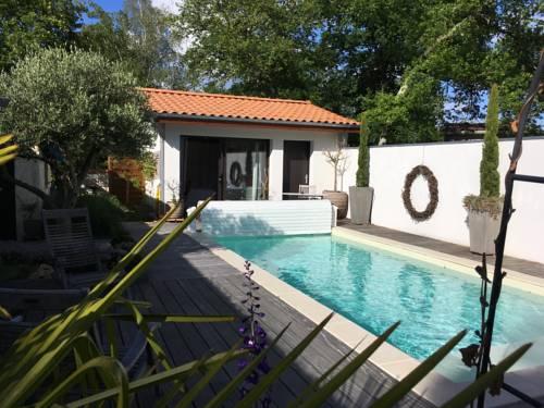 La Casa Bonita : Bed and Breakfast near Saint-Jean-d'Illac