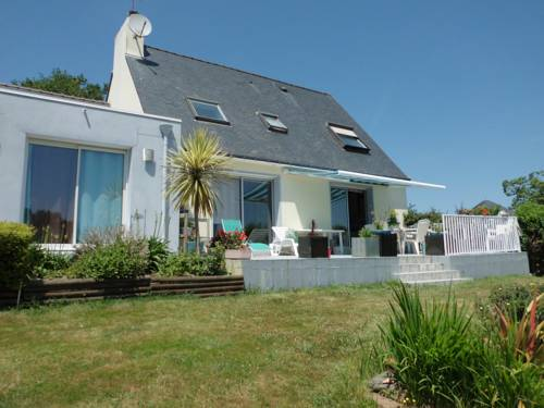 Deux chambres entre terre et mer : Bed and Breakfast near Baye