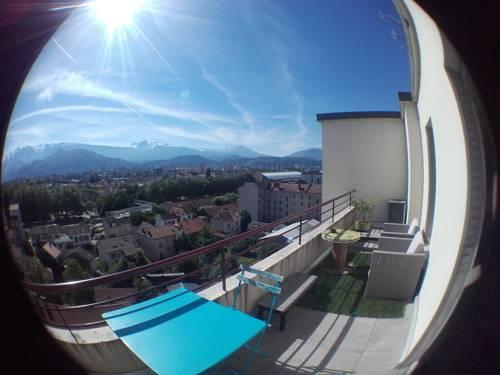 T2 dernier etage avec 2 grandes terrases Est Ouest : Apartment near Seyssinet-Pariset